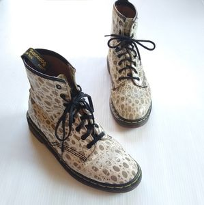 Dr Martens England animal print lace-up boots
